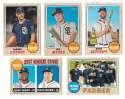 2017 Topps Heritage (1-500) - SAN DIEGO PADRES Team Set